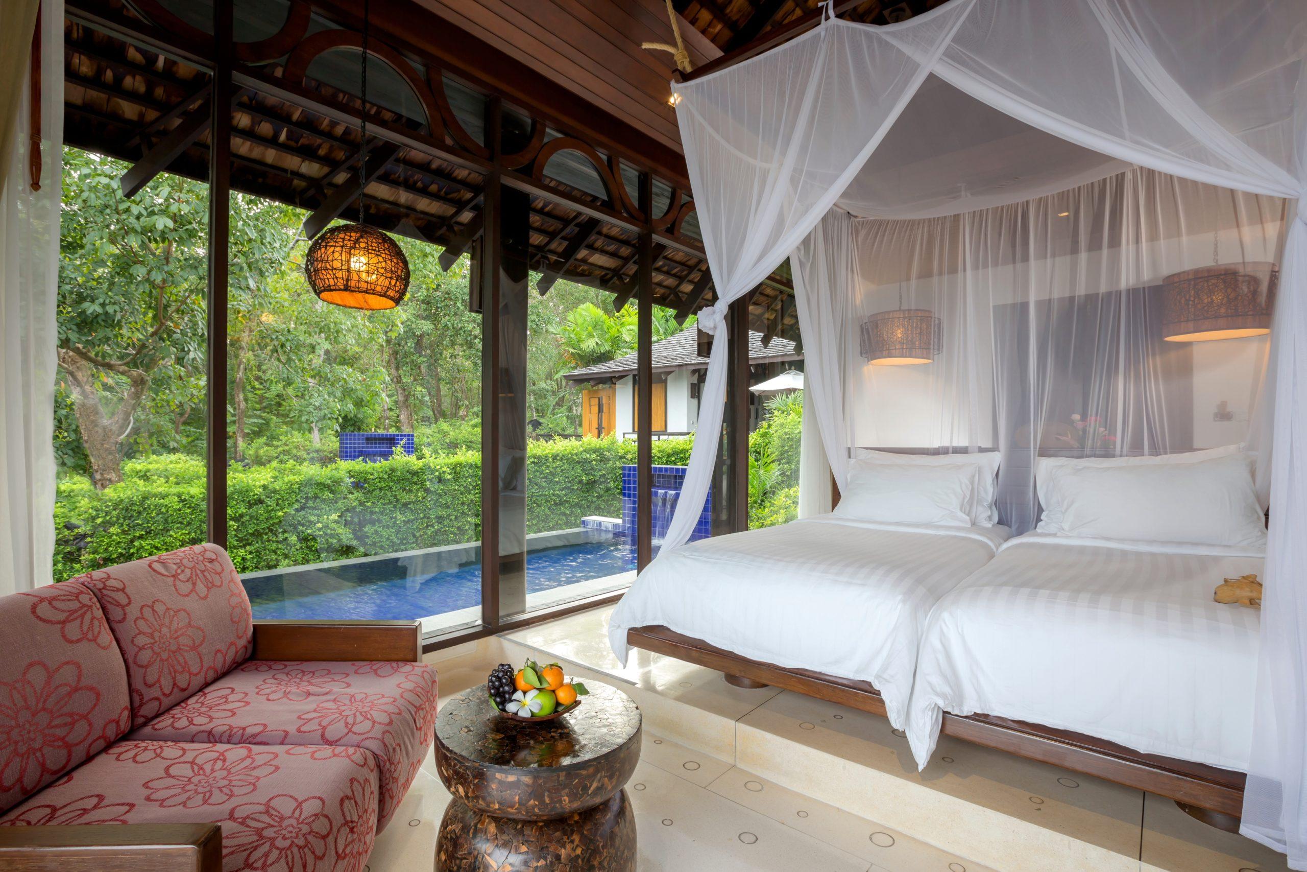 002_Deluxe Pool Villa_Bedroom TheVijitt Resort Phuekt