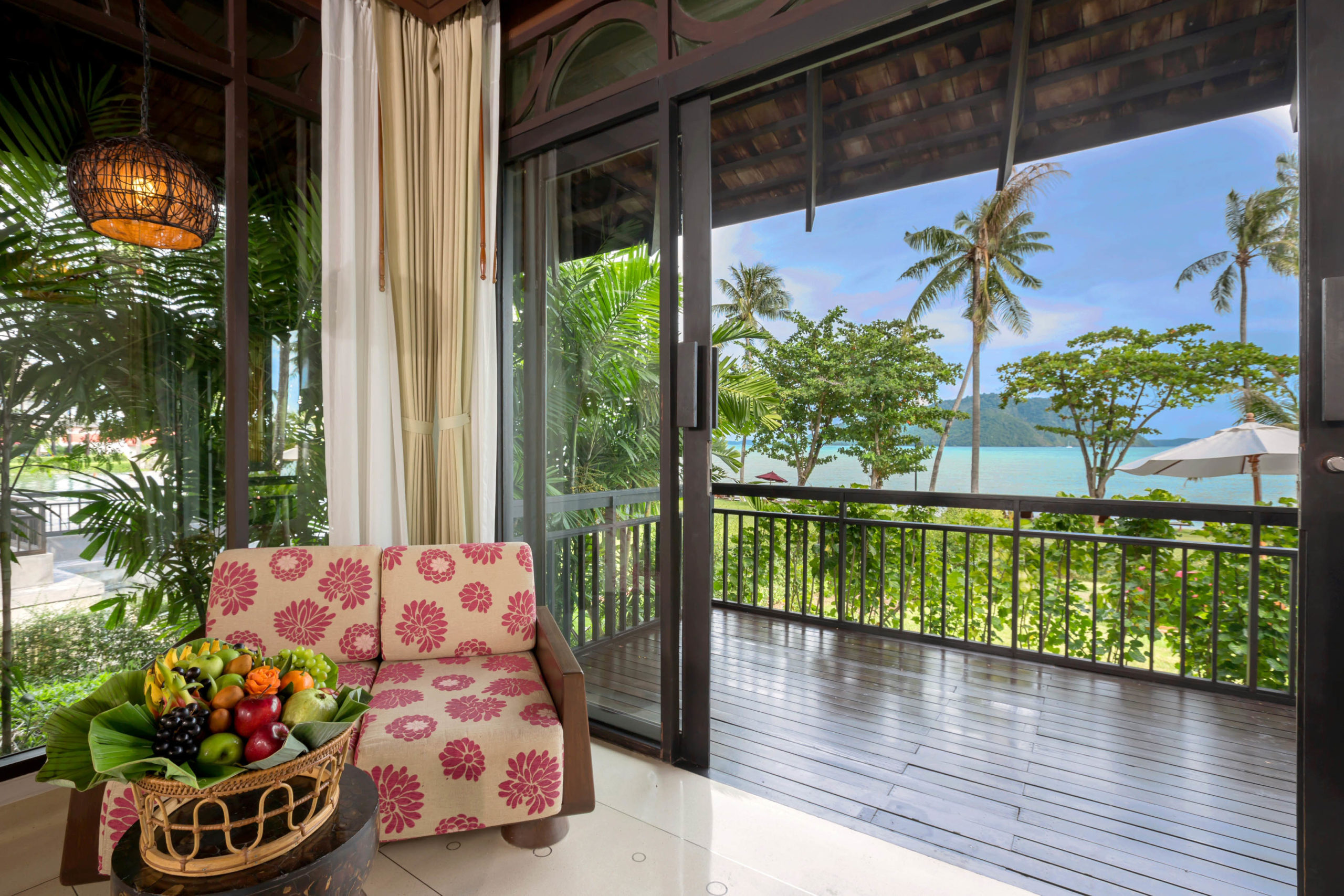 003_Deluxe Beachfront Villa_Bedroom The Vijitt Resort Phuket