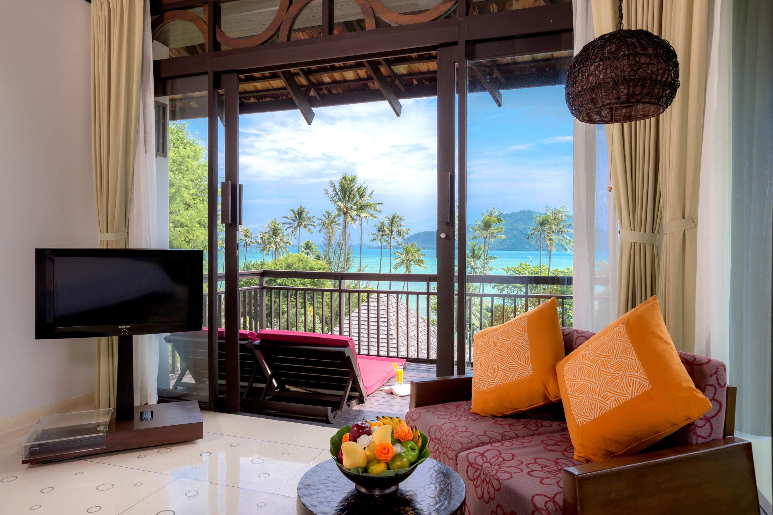 003_Deluxe Seaview Villa_Bedroom The Vijitt Resort Phuket