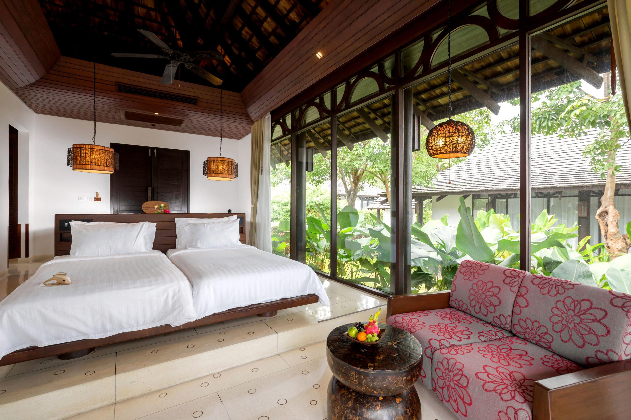 005_Deluxe Villa_Garden_ Bedroom The Vijitt Resort Phuket