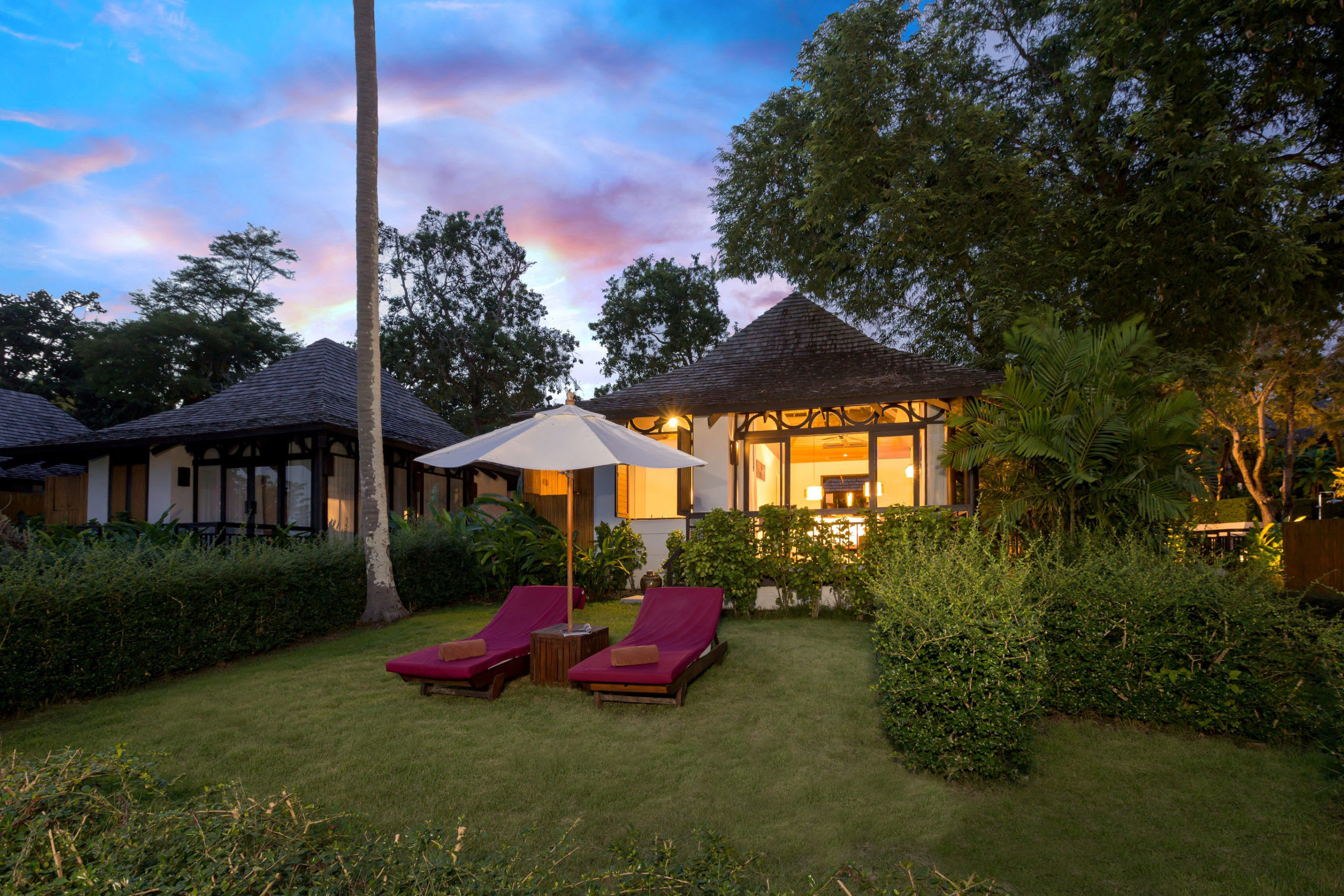 006_Deluxe Beachfront Villa_Exterior-The Vijitt resort Phuke