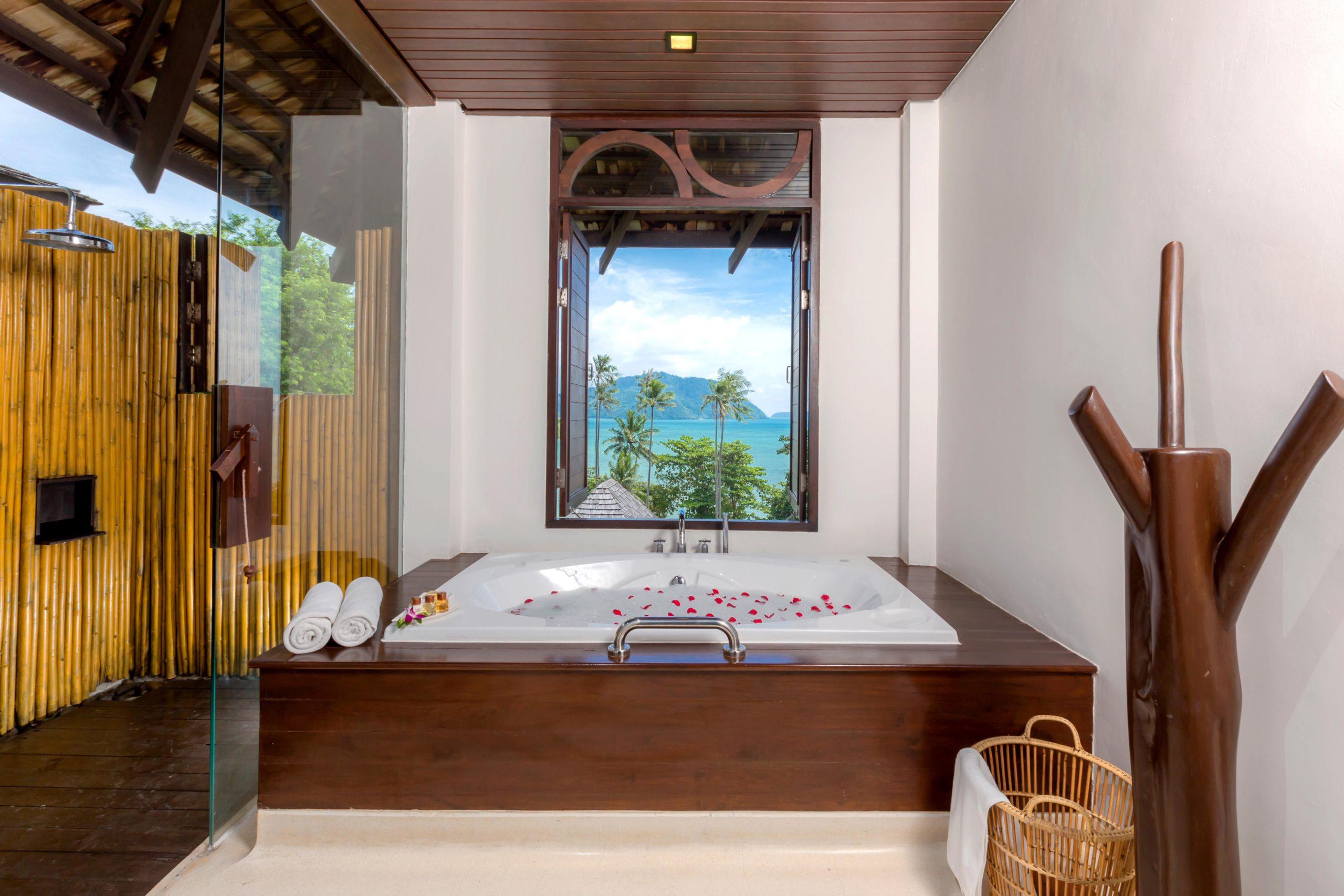 006_Deluxe Seaview Villa_Bathroom The Vijitt Resort Phuket