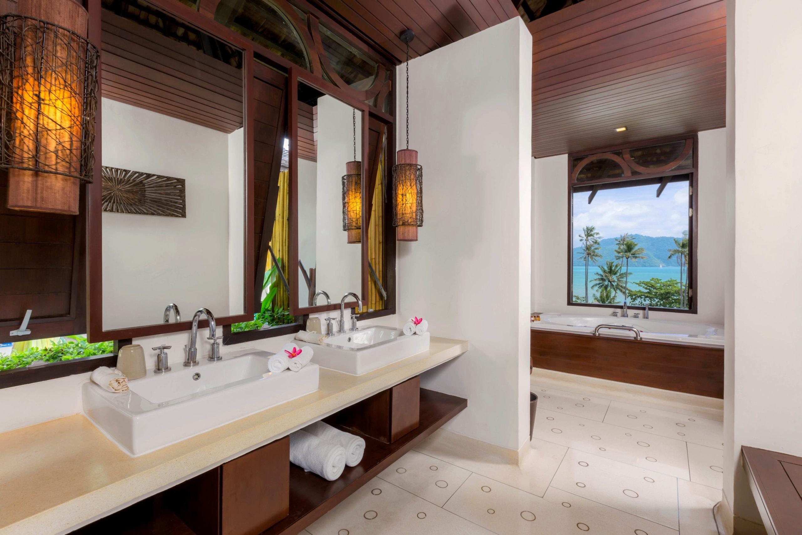 007_Deluxe Seaview Villa_Bathroom The Vijitt Resort Phuket