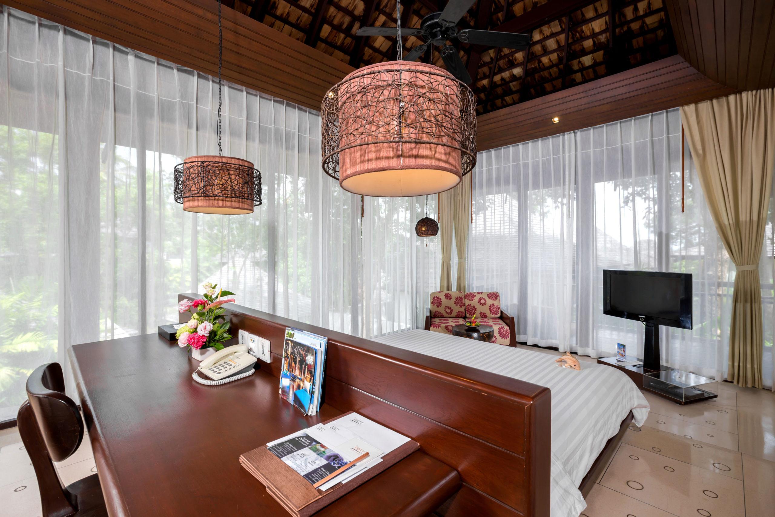 007_Deluxe Villa_Garden_ Bedroom The Vijitt Resort Phuket